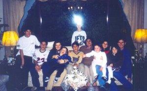 Mi abue con muchos de sus nietos